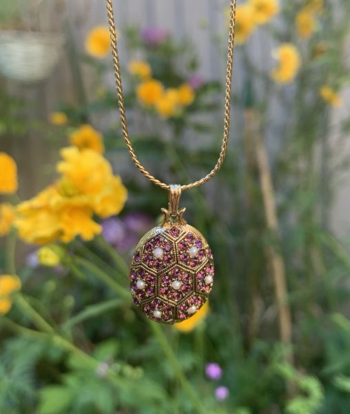 D'Orlan pendant with flowers